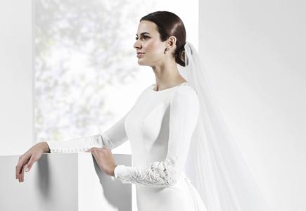 4009da3e11c1 Španielska značka Franc Sarabia prináša na sezónu 2017 impozantnú zbierku  svadobných šiat