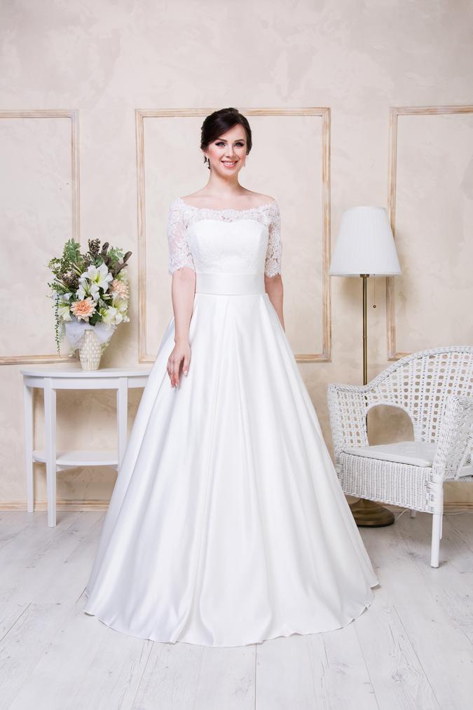 Svadobné šaty Krása ženských kriviek vynikne v šatách zo salóna ... 241f9d74f07