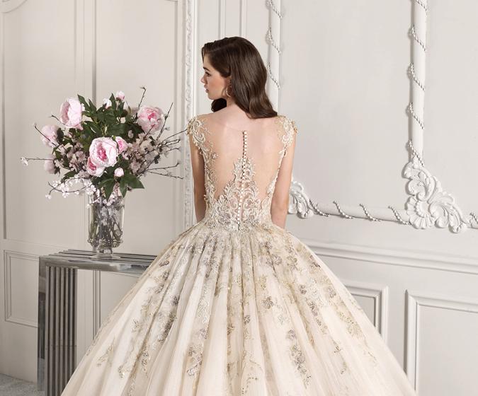 Články Svadobné šaty Demetrios sú snom každej nevesty...  9293ac25933