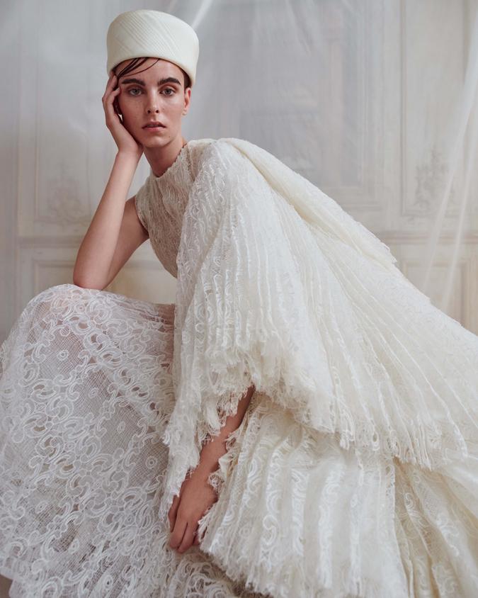 786ad3b47df4 Články Svadobné šaty Ashi Studio  Nech žije extravagancia!