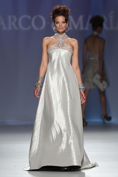 Články Svadobné a spoločenské šaty z kolekcie M M 2011  90e349cb67