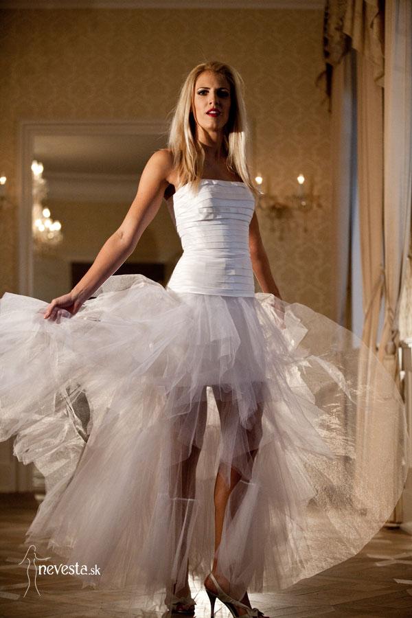 856f4c3d8392 Zuzkin blog Sexi  Vyhraj svadobné šaty s vôňou Paríža