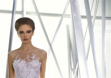 a3c247115bb5 Blog Svadobné šaty  Izraelský pôvab Miry Zwillinger