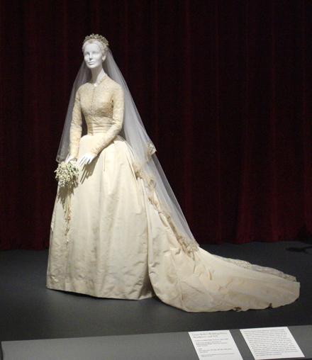 a8e9f8a5a3cd Výstavy Svadobné šaty - história a súčasnosť