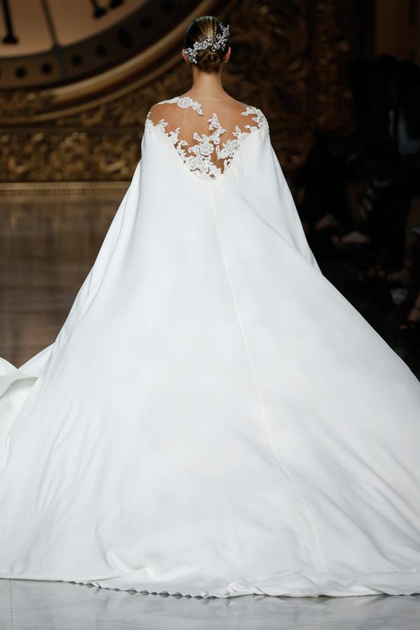 Články Svadobné šaty Pronovias 2016  Rafinované línie a luxusné ... 7671561df9c