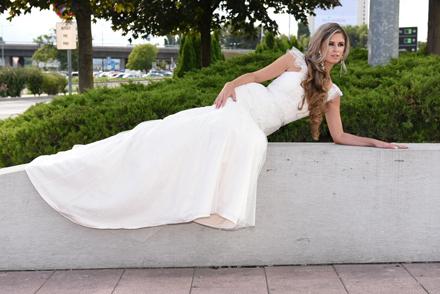 Svadobné šaty Svadobný salón La Donna  f68f485a786